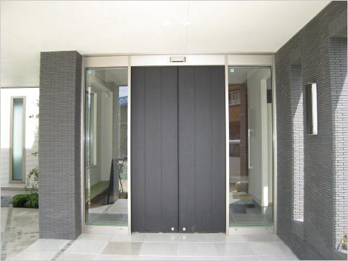 長尾木鋼 aluminium flash door